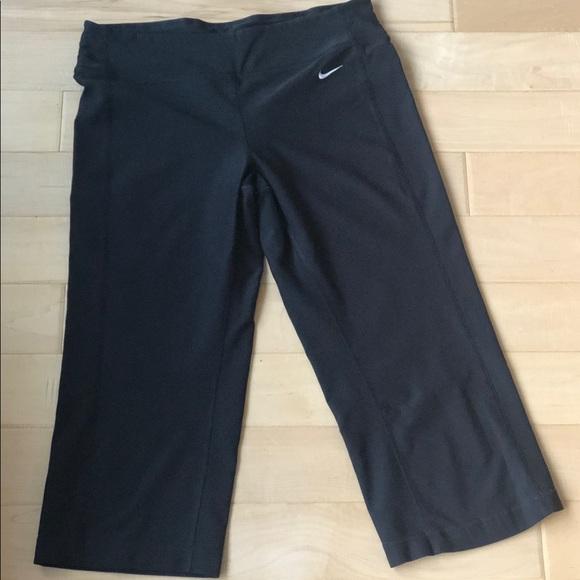 Nike Pants - Nike dry fit Capri pants